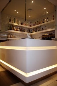 Hilton Double Tree Moda Oteli Roof Tuvalet Kapilari ve Corian Bar Tezgahlari